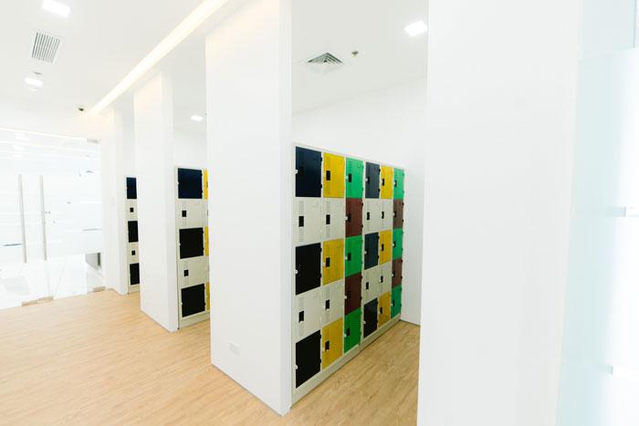 14th-Floor-Locker-Area